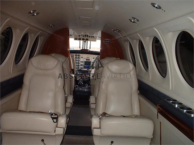 2003 B200 3