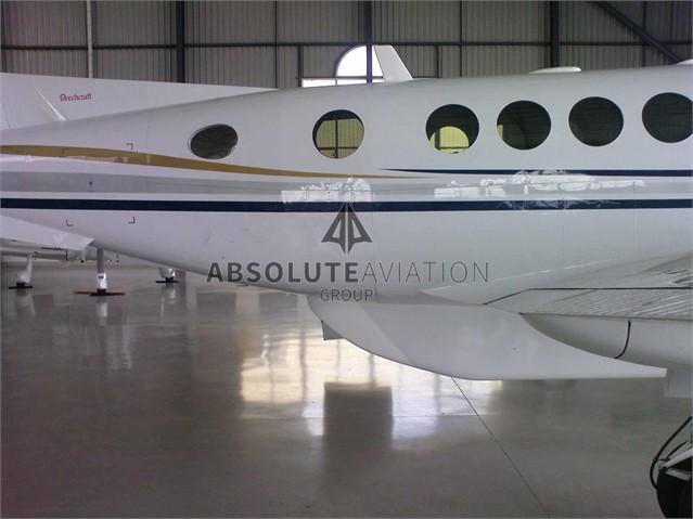 2003 B200 6