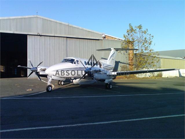 2003 B200 7